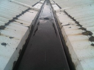 Industrial valley gutter